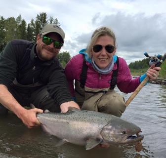 Pêche du saumon en Alaska : le voyage d'une vie !