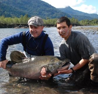 Pêche au Chili, les gros saumons de Patagonie